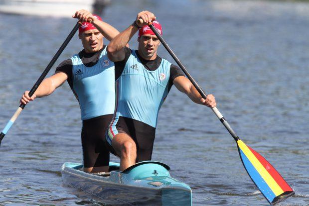 Liviu Dumitrescu și Victor Mihalachi, multipli campioni mondiali și europeni la kaiac-canoe. (FOTO: EPA)