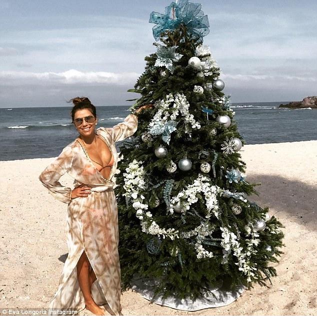 Eva Longoria a petrecut Crăciunul pe plajă