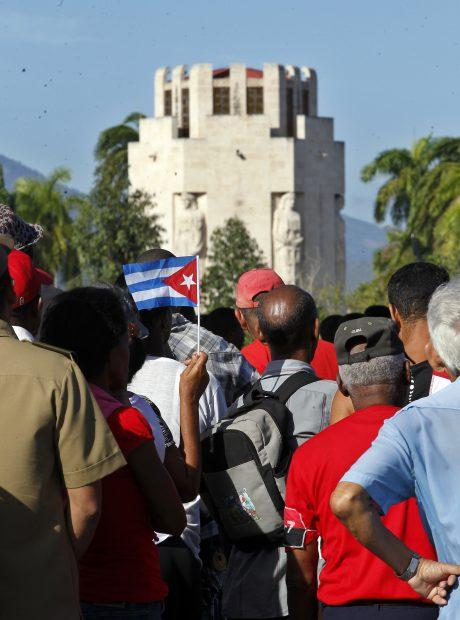 Funeralii Fidel Castro, mii de oameni s-au adunat în Santiago de Cuba pentru a-i aduce un omagiu lui Fidel Castro