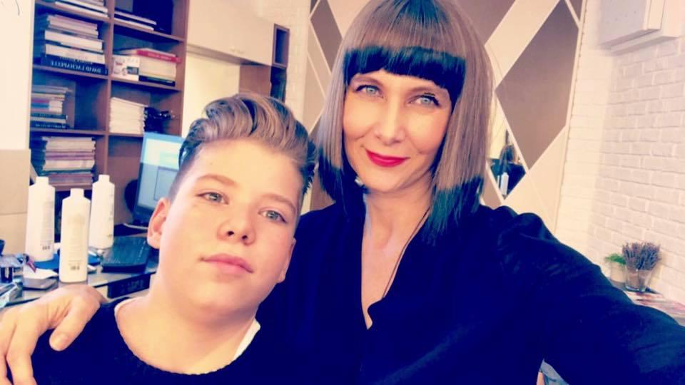 Romanița Iovan și-a tăiat părul: tunsă bob, cu breton