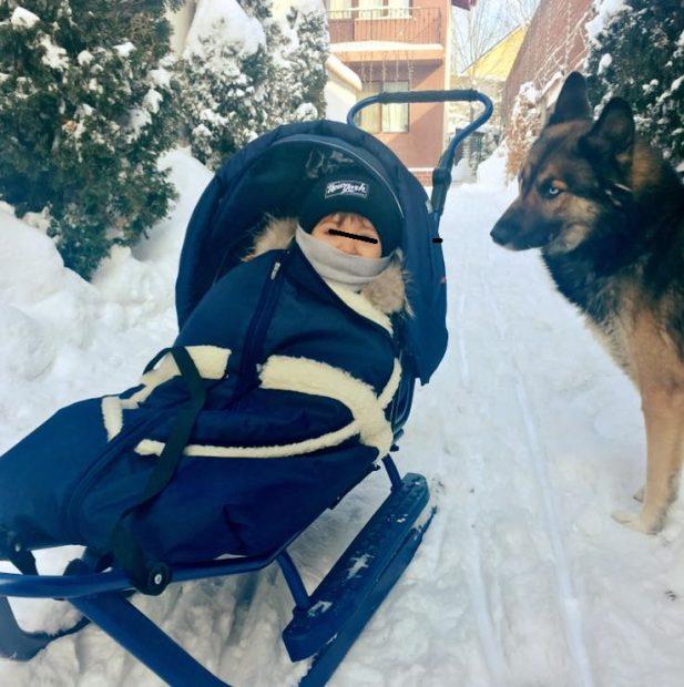 Andreea Mantea și-a scos fiul la zăpadă. Detaliul pe care fanii l-au observat imediat