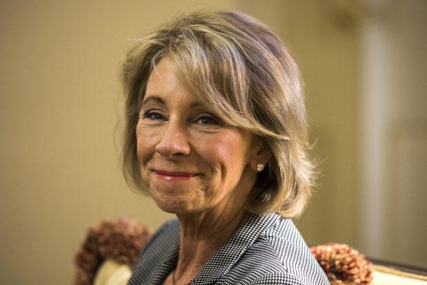 Secretarul Educației Betsy DeVos