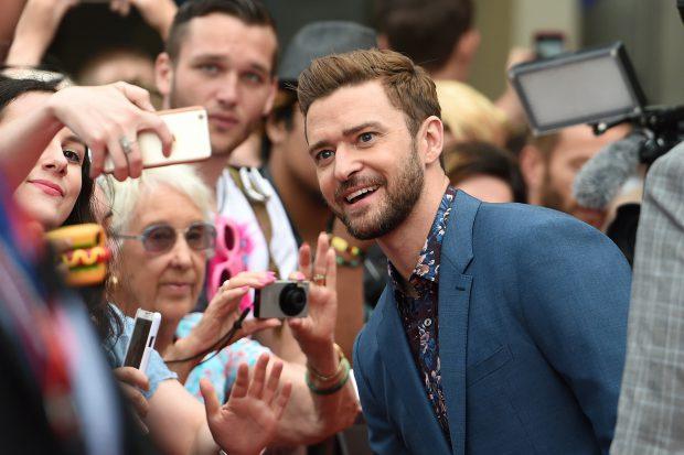 Justin Timberlake a reușit două coșuri de la jumătatea terenului / VIDEO
