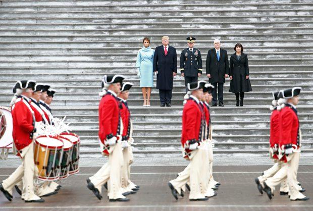 Donald și Melania Trump, pe treptele Capitoliului