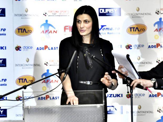 Alegeri la FR de Handbal. Narcisa Lecuşanu: 'Sunt pregătită să conduc federaţia'
