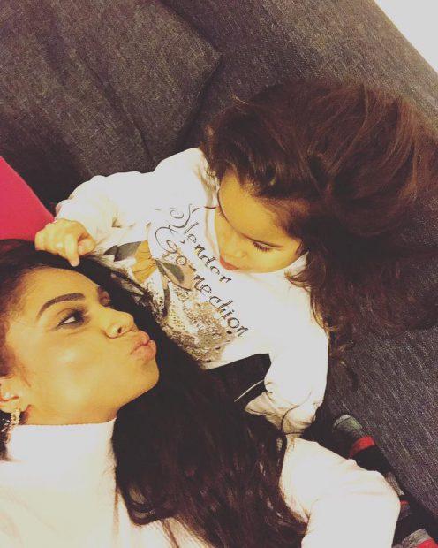 Laurette, alături de fiica ei, Serena