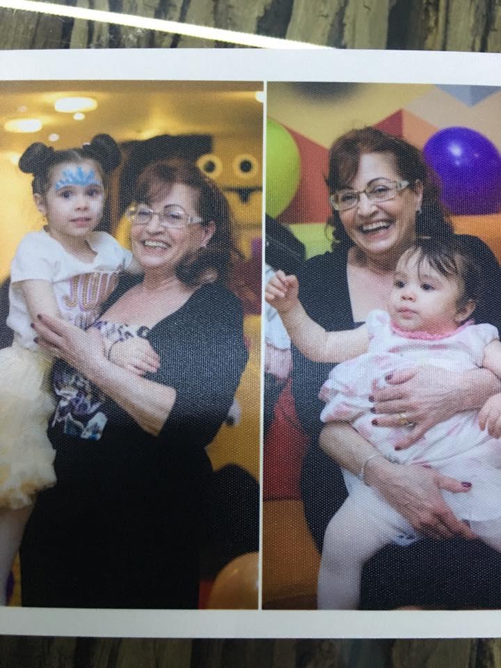 Mama lui Pepe, alături de nepoțelele sale