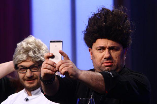 Chef Scărlătescu, apariție șocantă în emisiune. Cum arată cu perucă