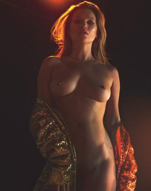 Kate Moss a pozat complet goală la 43 de ani