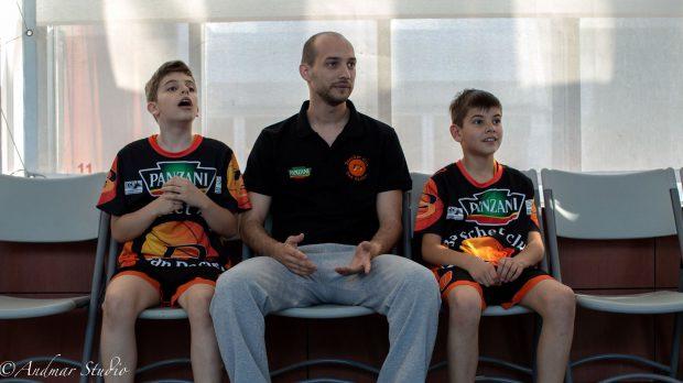 Premieră în sportul românesc: Steaua CSM EximBank a legitimat un suporter. Va juca un meci în Liga Națională de baschet!
