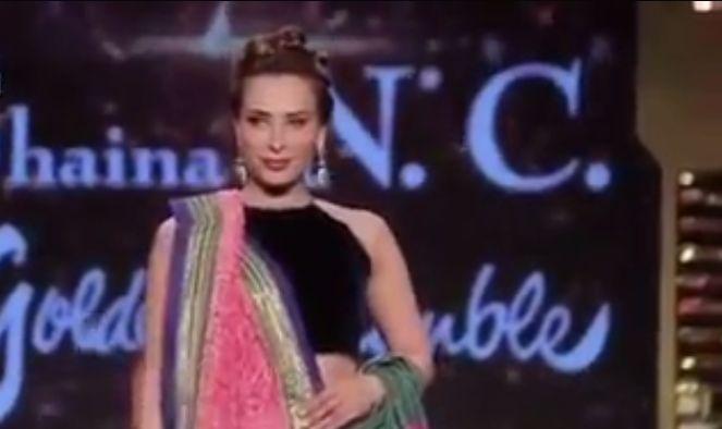 Iulia Vântur face furori în India. A defilat pe podium îmbrăcată în sari   VIDEO