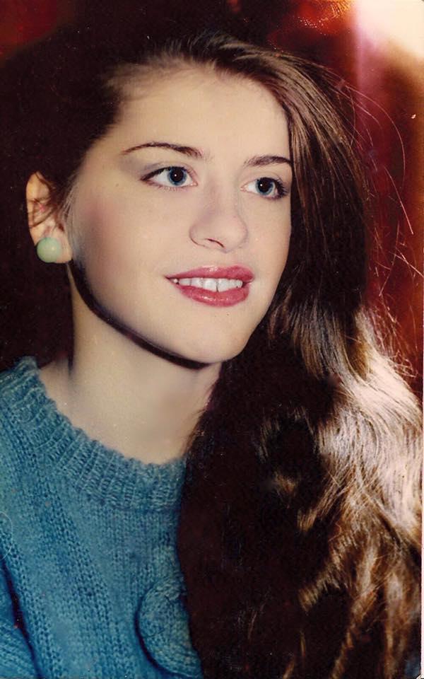 Loredana Groza, aşa cum arăta ea în adolescenţă