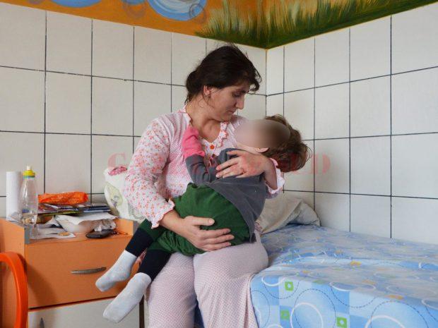 Polixenia Stancu, singurul medic oncopediatru din Dolj, alină suferința copiilor bolnavi de cancer