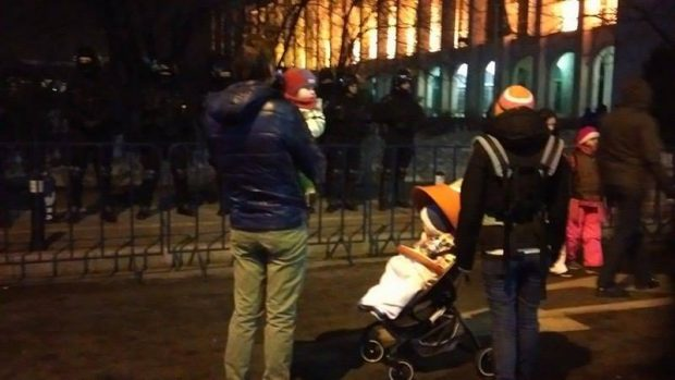 oameni_copii_protest
