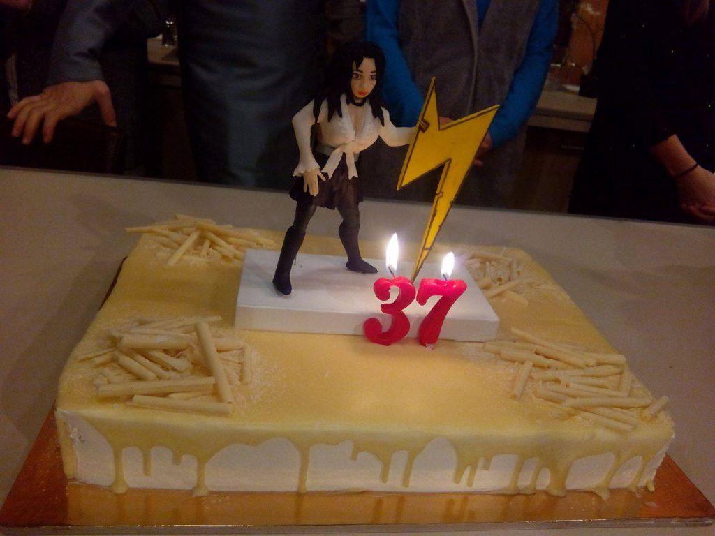 Livia Taloi, alias Ema din Trăsniții, și-a sărbătorit ziua de naștere pe platourile de filmare. A împlinit 37 de ani