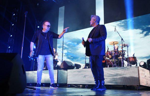 Concert Holograf la Sala Palatului. Gabriel Cotabiță a deschis show-ul. Prima apariție a artistului, după ce a ajuns din nou la spital