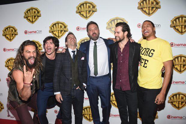 Jason Momoa, Ezra Miller, Zack Snyder, Ben Affleck, Henry Cavill și Ray Fisher actorii din Justice League la ComicCon