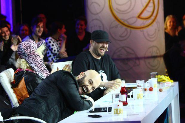 Jurata Delia e speriată de un concurent, la iUmor, în timp ce Mihai Bendeac și Cheloo râd cu lacrimi