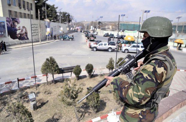 UPDATE | Atentat la spitalul militar din Kabul. Zeci de oameni au fost uciși de teroriștii care s-au deghizat în doctori