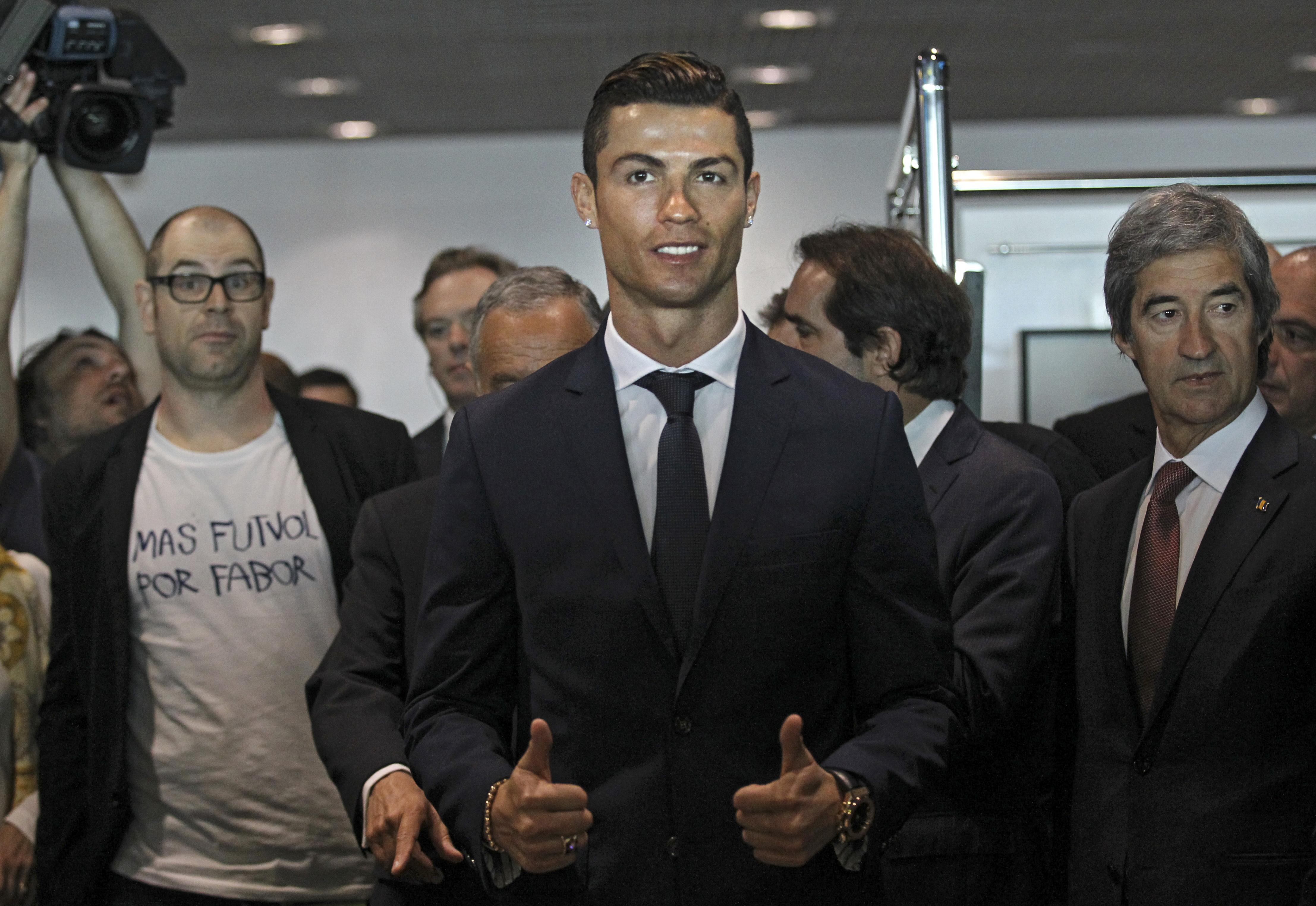 Cristiano Ronaldo are o statuie care nu-i seamănă deloc! E, mai degrabă, o caricatură! FOTO în articol