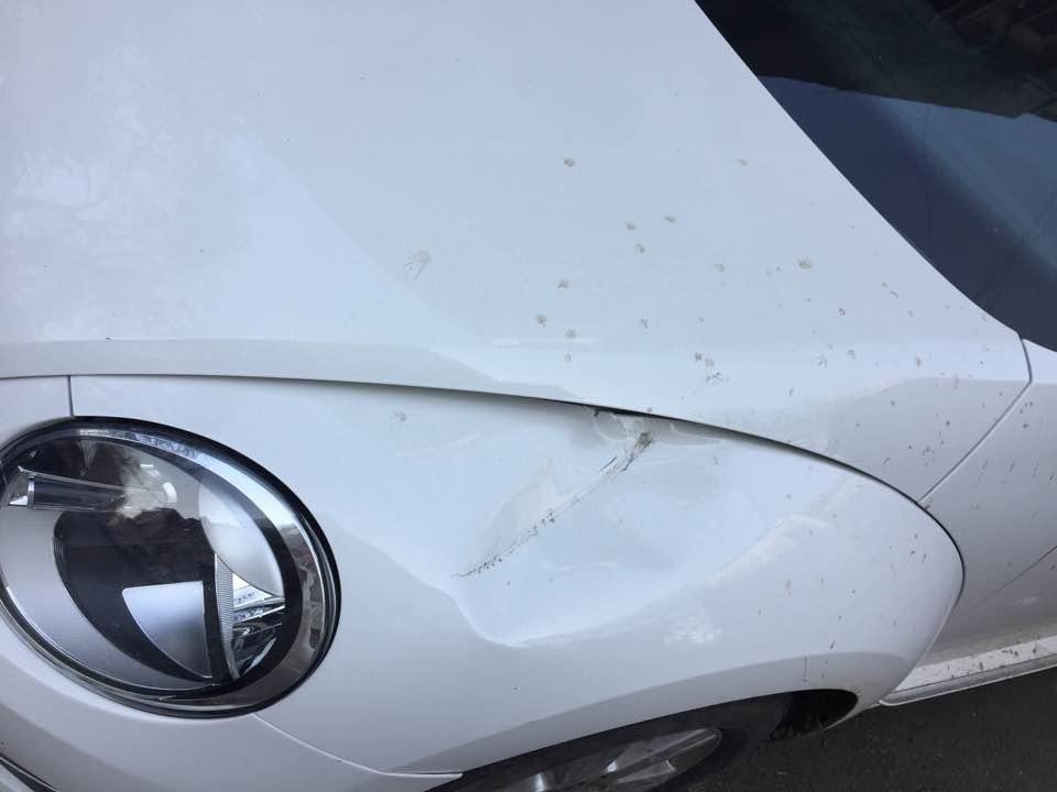 Melania Medeleanu s-a trezit cu mașina lovită. Incredibil ce a pățit după incident