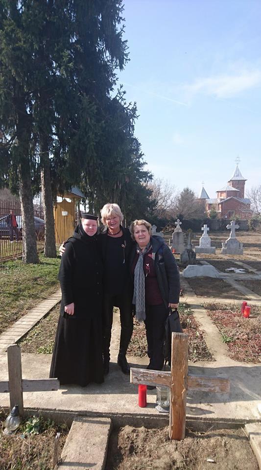 """Monica Tatoiu s-a recules la mânăstire. """"Un popas la Icoana maicii Domnului"""""""