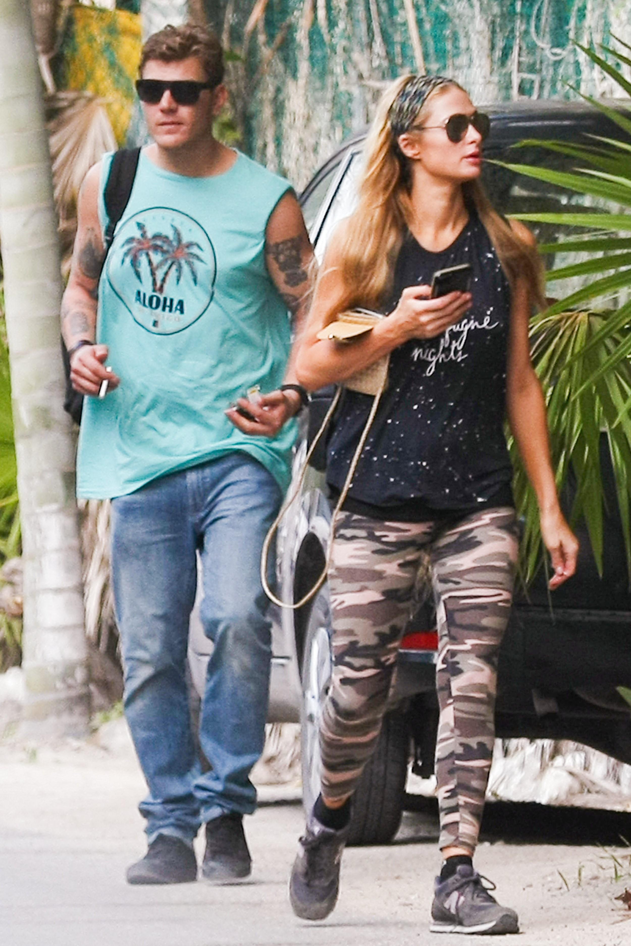 Paris Hilton, vacanță romantică în Mexic cu noul iubit, un actor celebru de la Hollywood