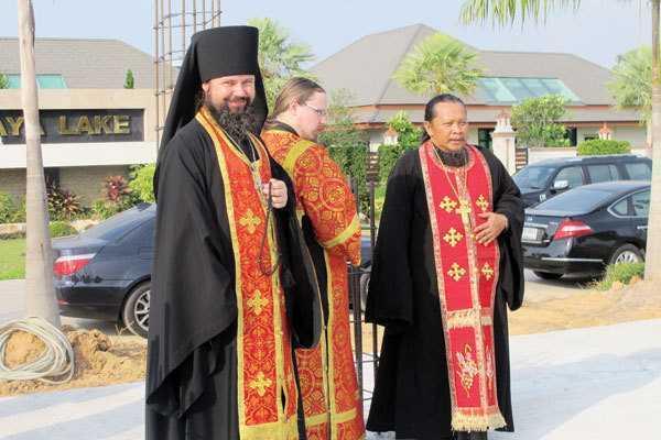 EXCLUSIV | Incredibila poveste a fotbalistului călugărit care a lepădat haina monahală și s-a căsătorit. Două iubiri mai presus de cea de Dumnezeu | FOTO&VIDEO