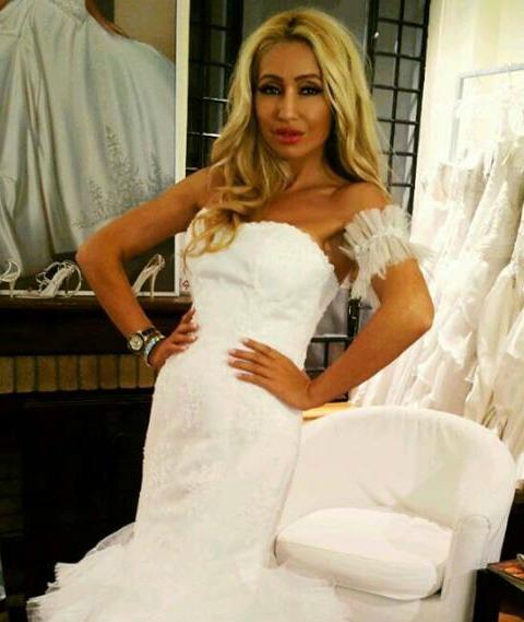 EXCLUSIV / Sonia Trifan face nuntă mare. Nași, Viorica și Ioniță de la Clejani