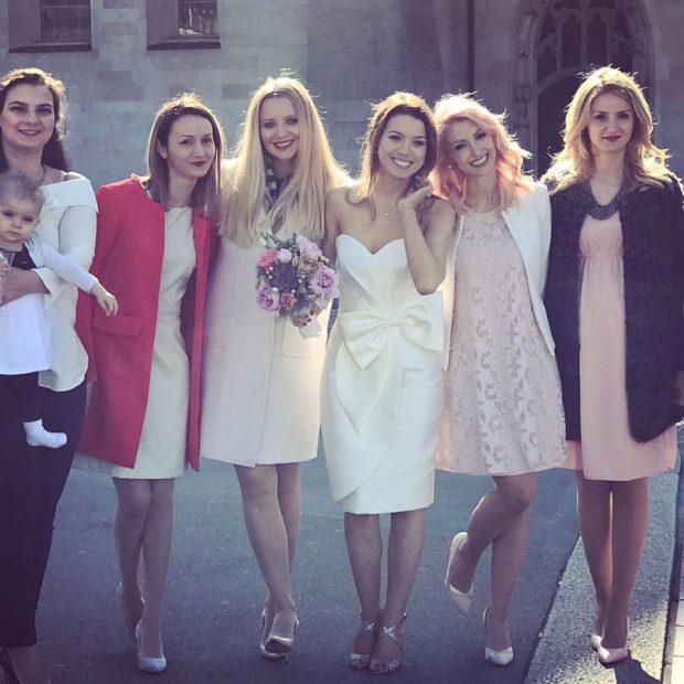 Andreea Bălan a plecat de urgență în Elveția. Artista participă la nunta celei mai bune prietene
