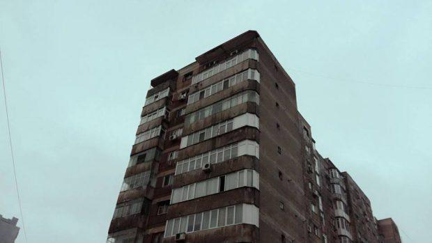 Balcon prăbușit de la etajul 10, într-un bloc din Berceni