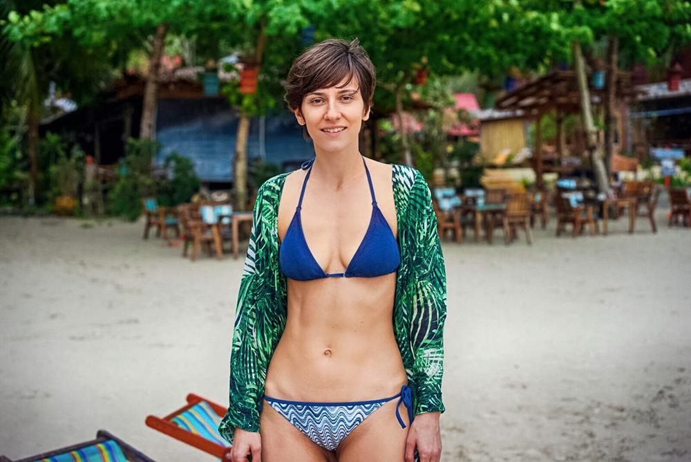 Dana Rogoz, în costum de baie. În ce ipostază indecentă a fost surprinsă