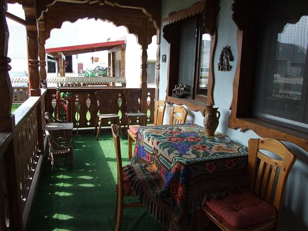 Casa din Timiș copie fidelă a celor tradiţionale din Maramureş a costat 80.000 de euro