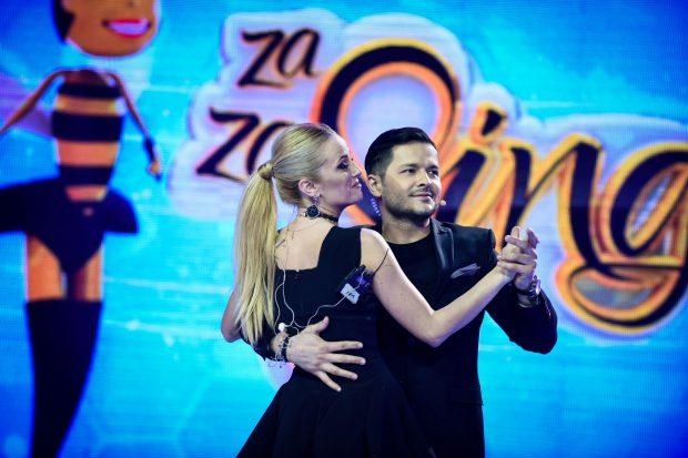 Liviu Vârciu se pregătește să devină tată, dar a fost surprins în brațele altei femei. Imagine de colecție cu prezentatorul tv