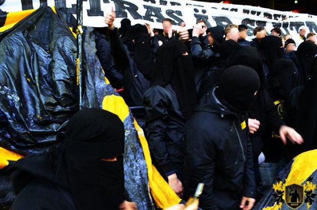 """Ultrașii de la AIK Stockholm și-au pus """"hijab-uri"""" pe cap. Motivul e fabulos."""