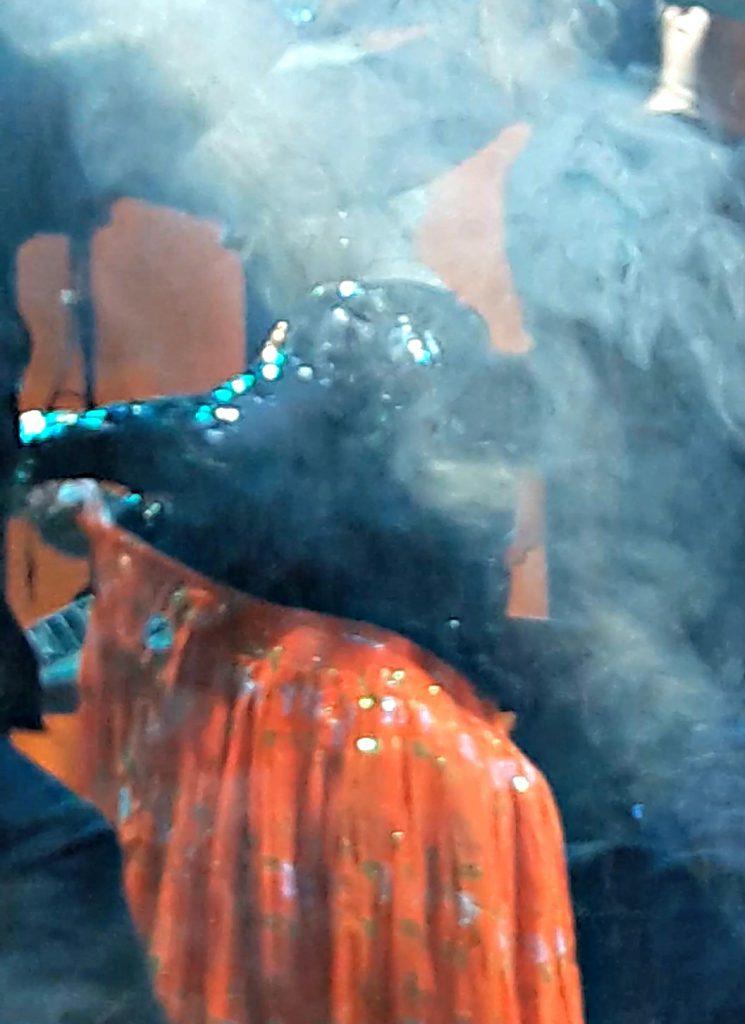 VIDEO EXCLUSIV/ Loredana, moment savuros în timpul ultimului său concert. Recital cu fusta-n vine!