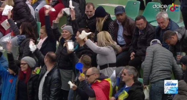 Fanii au venit cu șervețele pentru Johanna Konta, în caz că ar fi apucat-o din nou plânsul