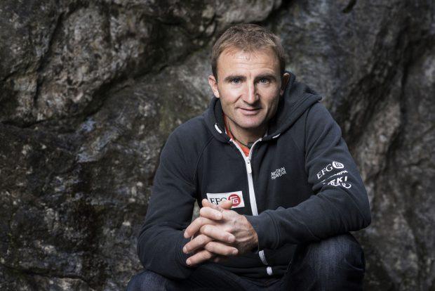 """Alpinistul Ueli Steck a murit pe Everest. Era poreclit """"Mașina Elvețiană"""""""