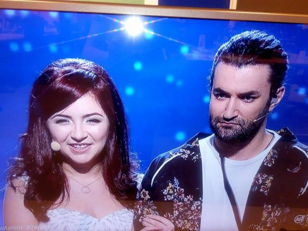 Gestul făcut de o concurentă de la Românii au talent. L-a luat pe Smiley în brațe și nu i-a mai dat drumul