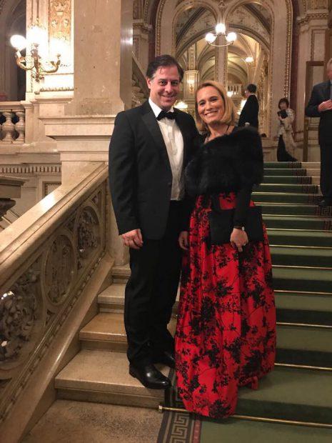 Andreea Esca a lipsit de la pupitrul știrilor. Vedeta a părăsit de urgență România