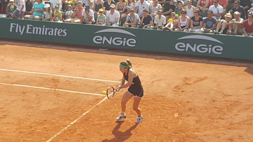 Simona Halep, în timpul antrenamentului efectuat sâmbătă dimineață, 27 mai 2017, la Roland Garros. (FOTO: facebook.com/halepband)