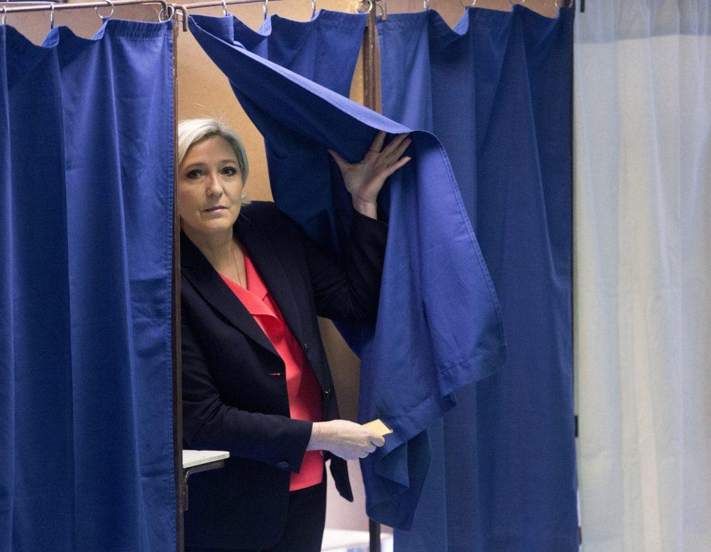 Le Pen votează