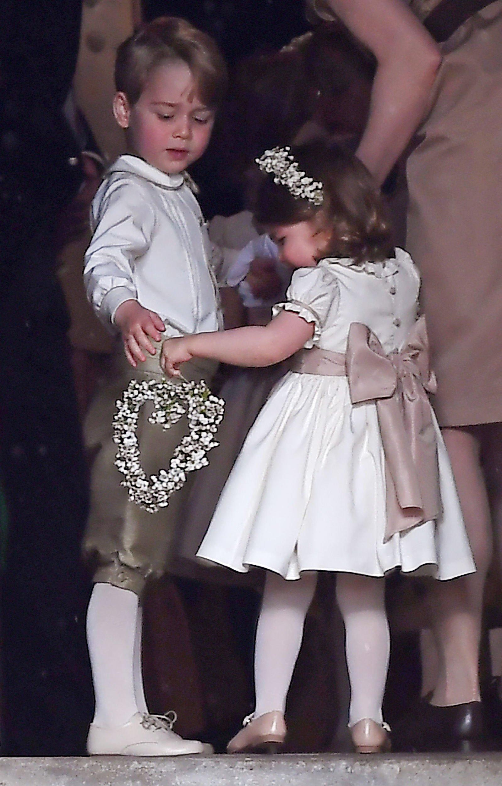 FOTO   Pippa Middleton s-a căsătorit cu James Matthews. Ce rochie a ales sora lui Kate pentru ziua cea mare
