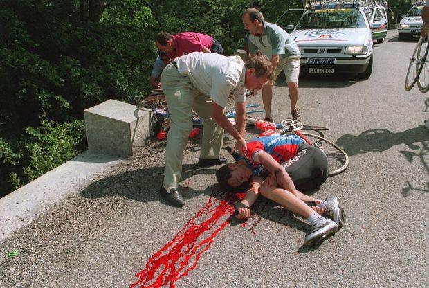 15 lucruri pe care nu le știai despre Turul Franței. De la decesul lui Casartelli, la Pamela Anderson! 15.000.000 de oameni pe traseu / FOTO