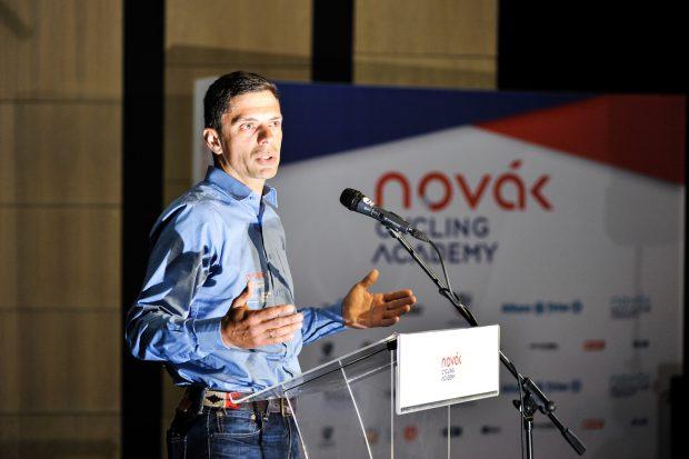 Modelul Hagi este aplicat în ciclism. Eduard Novak și-a lansat academia de pedalat