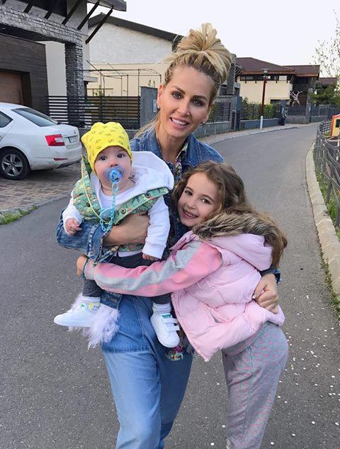 """VIDEO EXCLUSIV/ Fiica Andreei Bănică își bagă mereu părinții la cheltuială. """"Deja m-a depășit"""""""