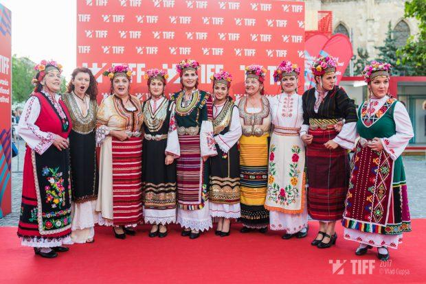 Peste 3.000 de oameni, la deschiderea TIFF 2017. Cinefilii au umplut Piața Unirii din Cluj