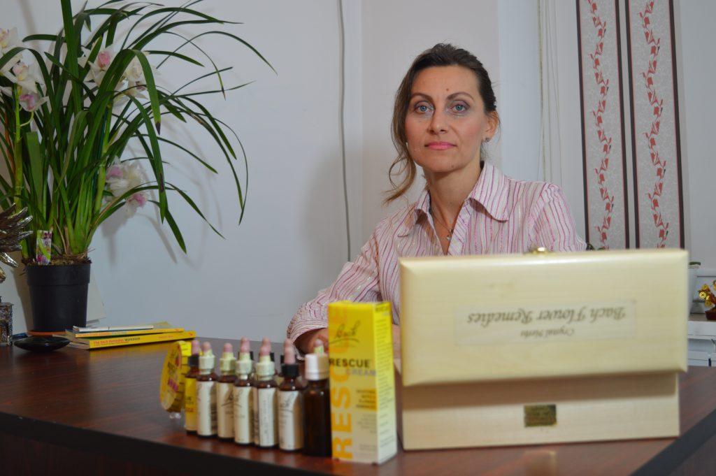 EXCLUSIV/ Incredibila poveste a strănepoatei lui Brâncuși, Ileana Vlăduț. Tratează cancerul prin terapii energetice!
