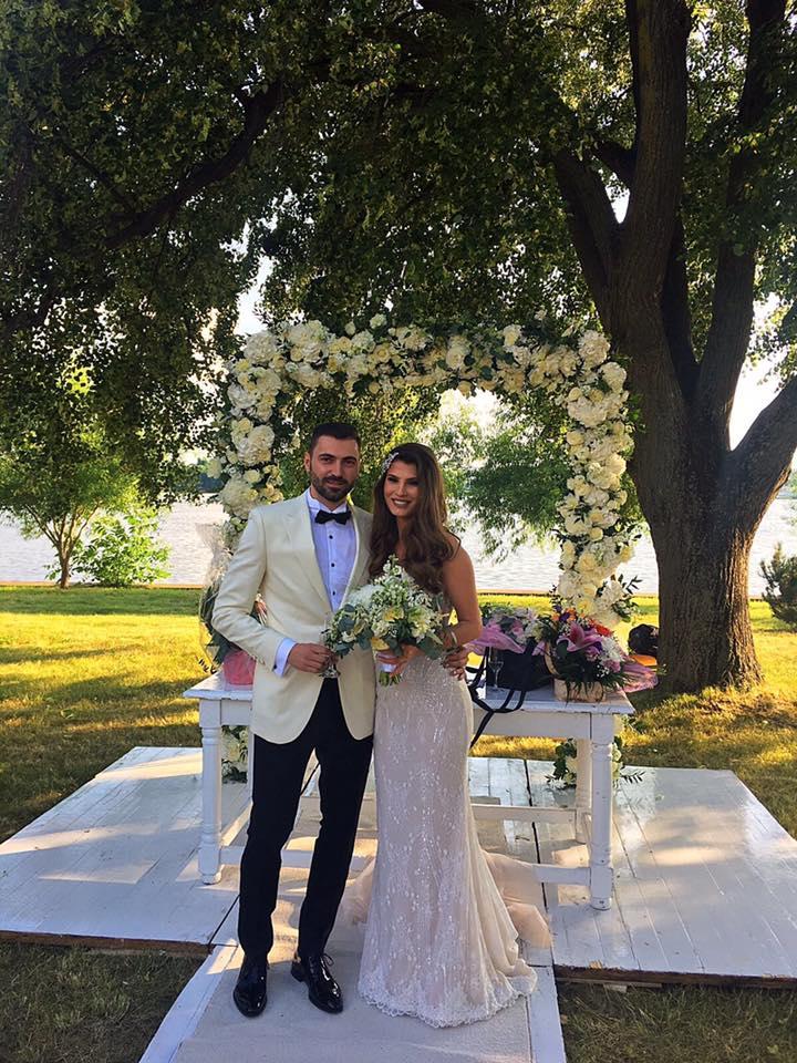 Fata lui Stelian Ogică a făcut nuntă. Ce mireasă frumoasă a fost Raluca Ogică   VIDEO