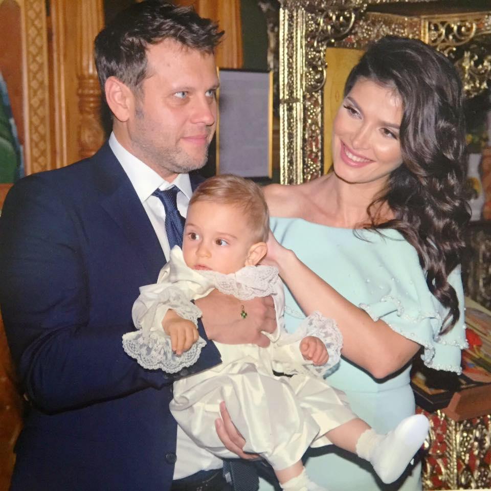 EXCLUSIV/ Alina Pușcaș le-a deschis conturi celor doi copii ai săi. Minori cu bani în bancă!